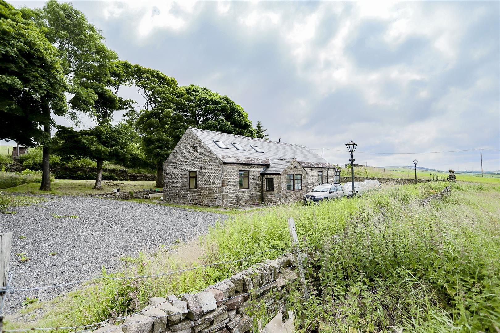 2 Bedroom Barn Conversion For Sale - Main Image